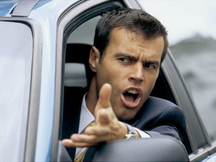 ¿Eres un acosador al volante?