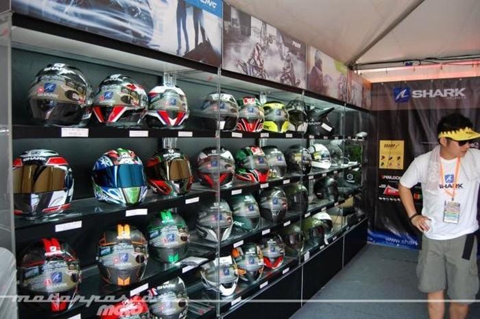 ¿Cómo comprar adecuadamente un casco?