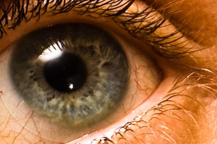 Alergias, coche y lentillas, compleja combinación