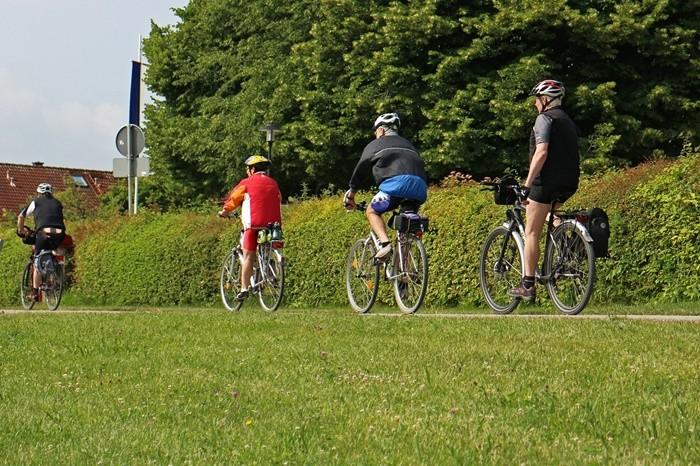 La DGT prueba reducir la velocidad para mejorar la seguridad de los ciclistas