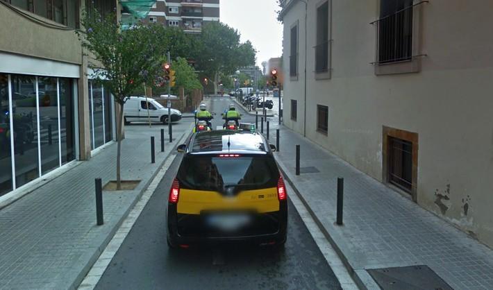 ¿Me pueden multar por saltarme un semáforo en rojo si detrás de mí viene una ambulancia?