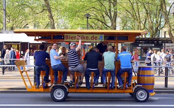 ¿Ciclo de pedaleo colectivo o bar con pedales?