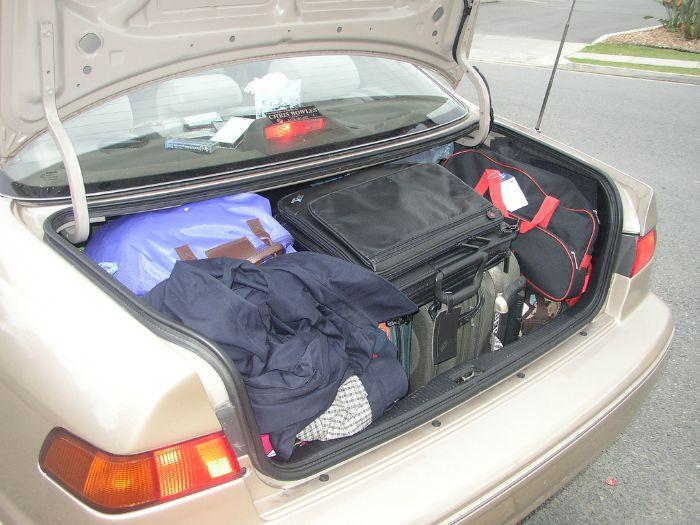Calcula el equipaje necesario, y divide por dos