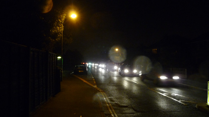Cowes_Park_Road_traffic_on_Firework_Night_2010_2