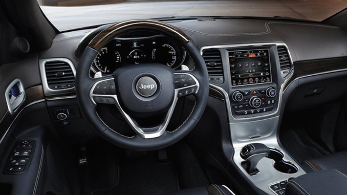 Jeep-Grand-Cherokee_multimedia
