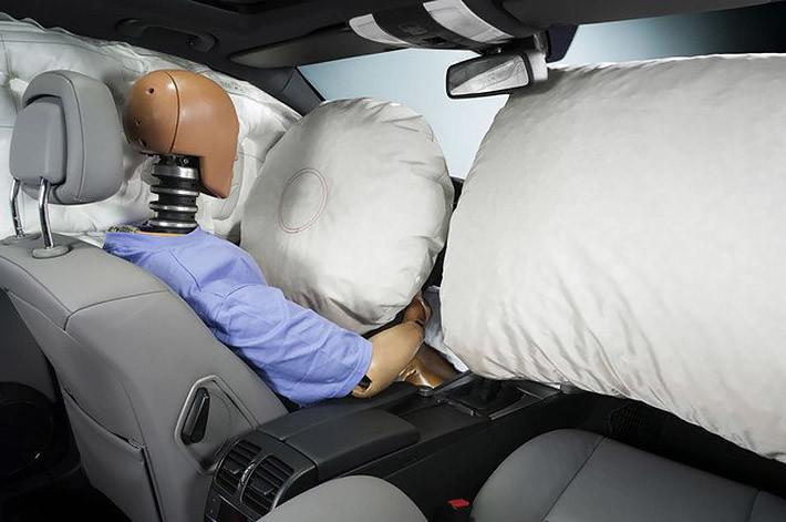 Los airbags pueden causar lesiones oculares