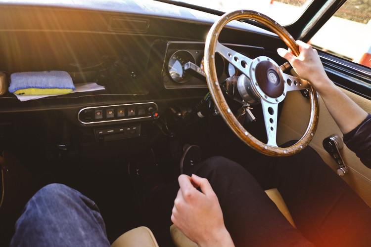 5 pequeñas costumbres al volante que reducen el riesgo de accidentes