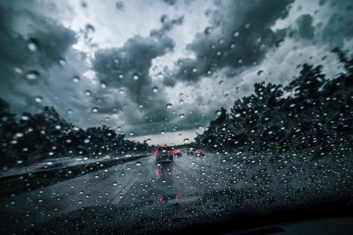 5 consejos básicos para conducir con lluvia de forma segura