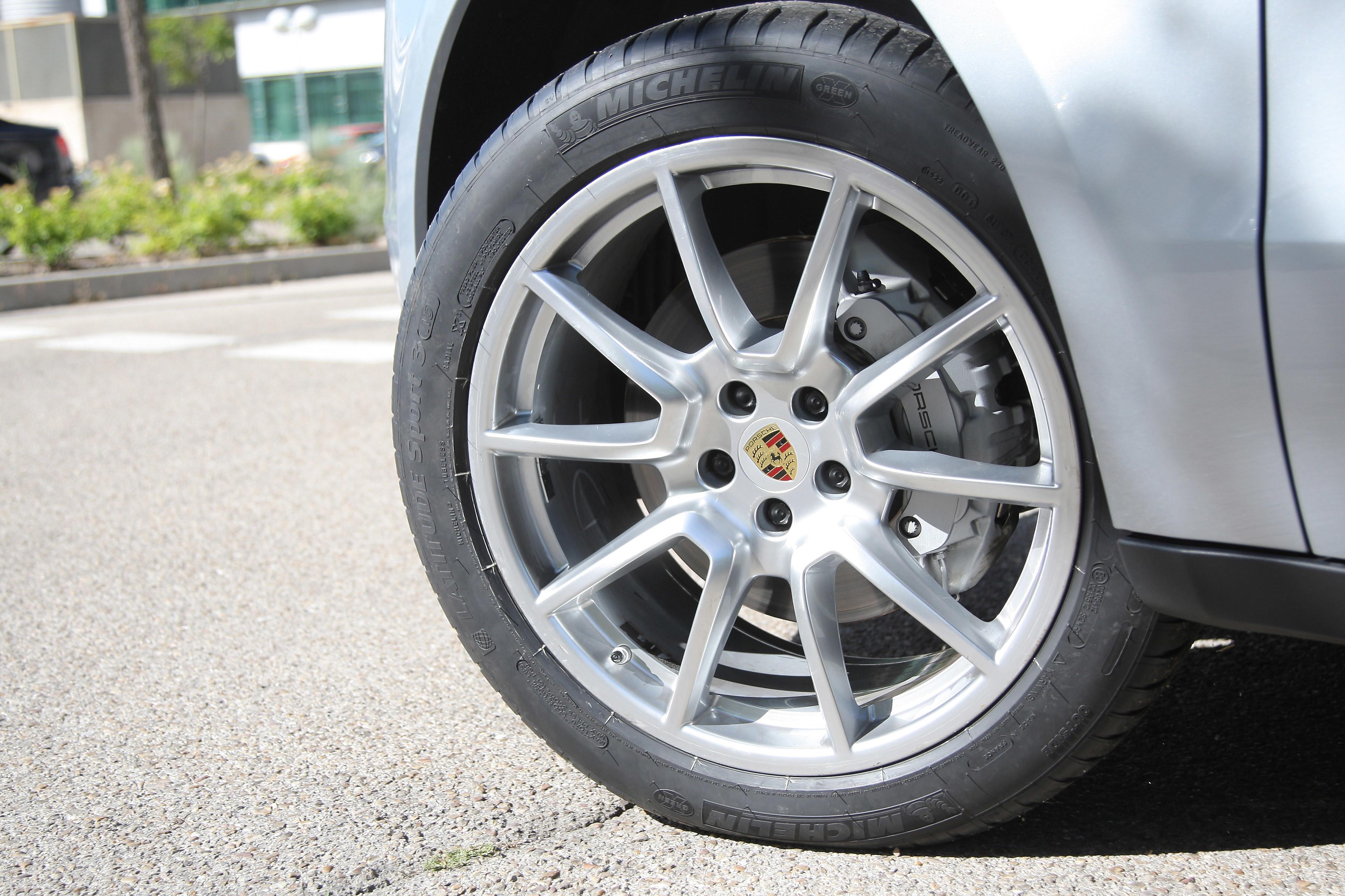 5 formas de reducir el desgaste de los neumáticos y ahorrar dinero
