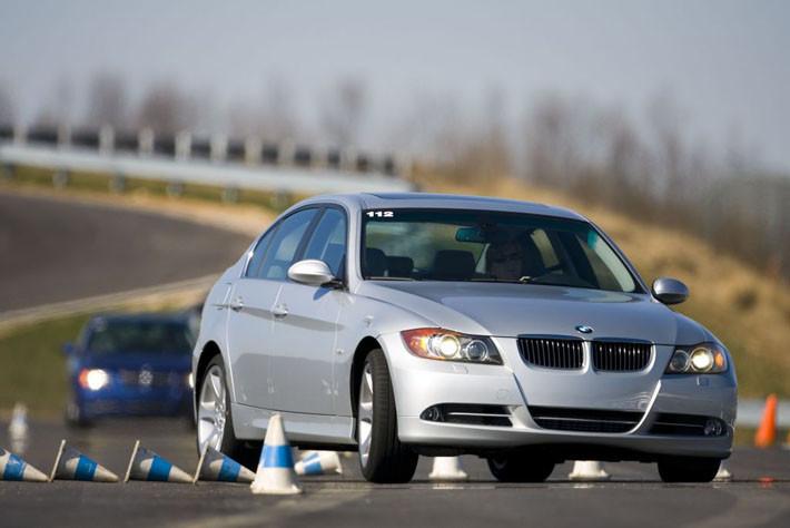 5 maniobras de urgencia que deberías saber afrontar al volante sin perder los nervios