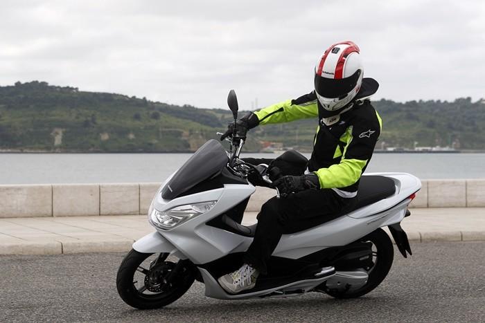 Del coche a la moto: lo que tendrás que olvidar y lo que tendrás que aprender