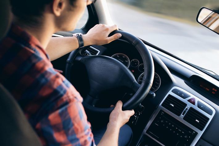 9 malas prácticas en la carretera que te hacen odiar al ser humano