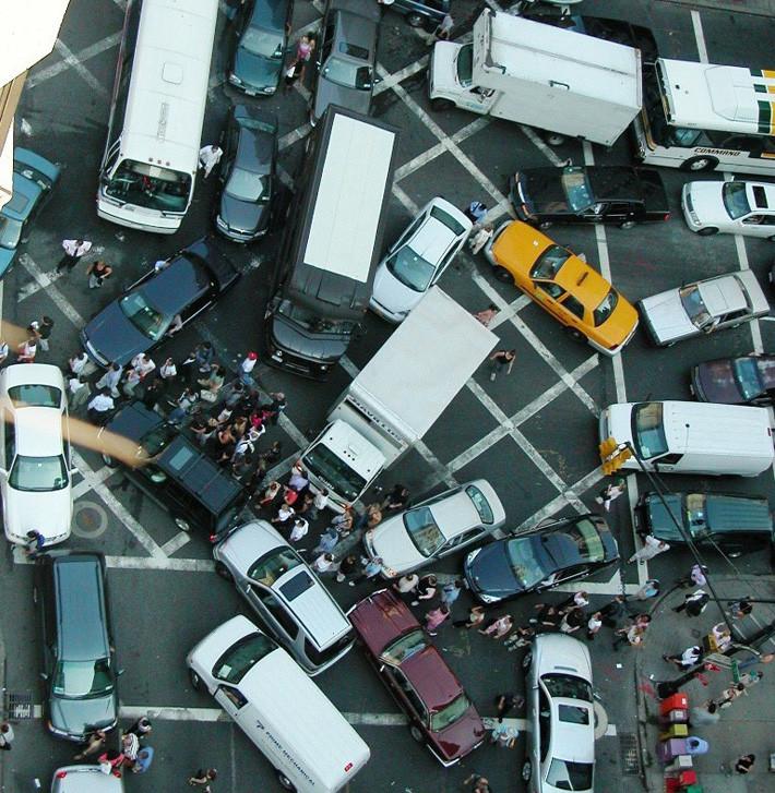 Cruce bloqueado atasco