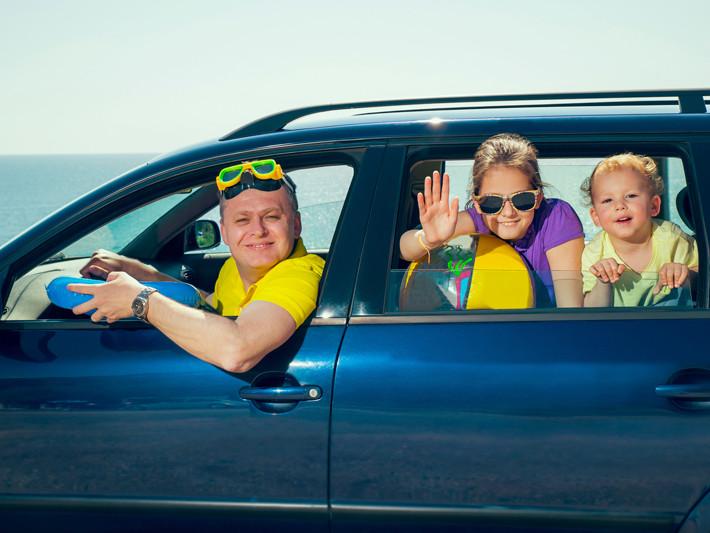 Si vas a viajar en coche con niños, no te olvides estos objetos