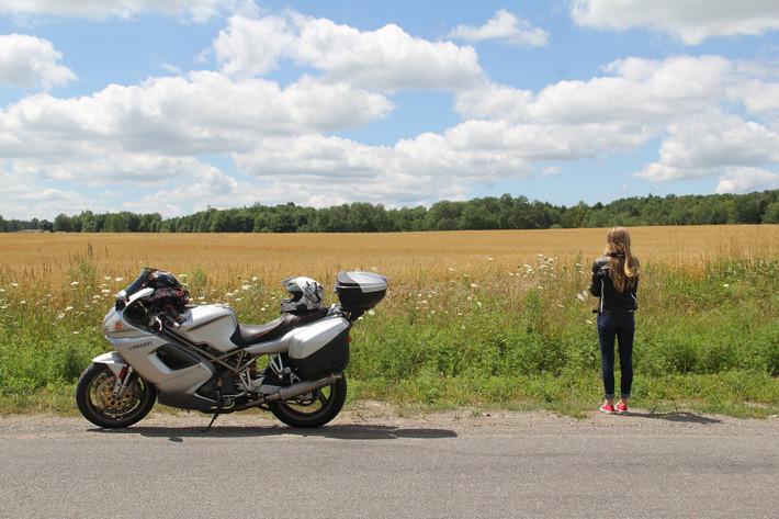 ¿Road Trip en moto en verano?  5 consejos para un viaje seguro