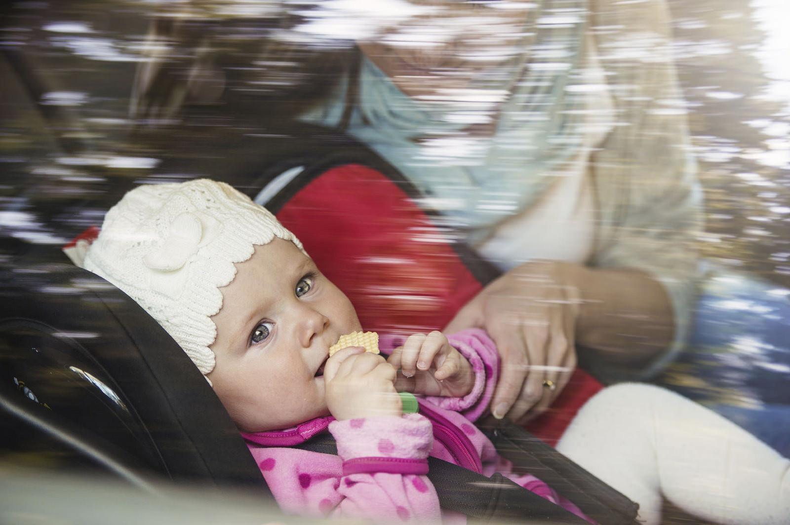 No todas las sillitas de seguridad infantil en el coche protegen correctamente