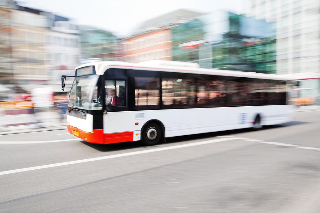 Facilitar las maniobras a autobuses en la ciudad: cuestión de sentido común