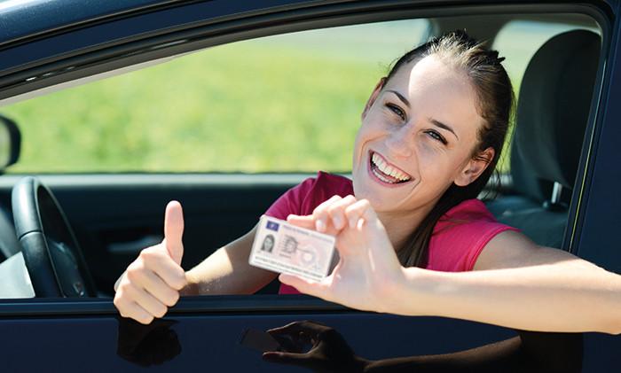 Me caduca el carnet de conducir, ¿qué tengo que hacer para renovarlo?