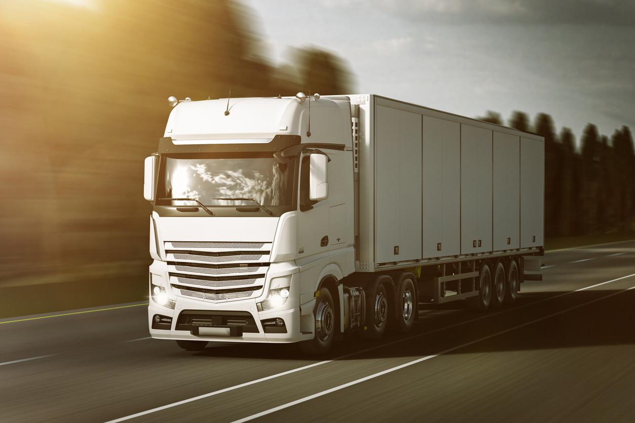 Normativa, tipos y vida de los neumáticos para vehículos pesados de transporte