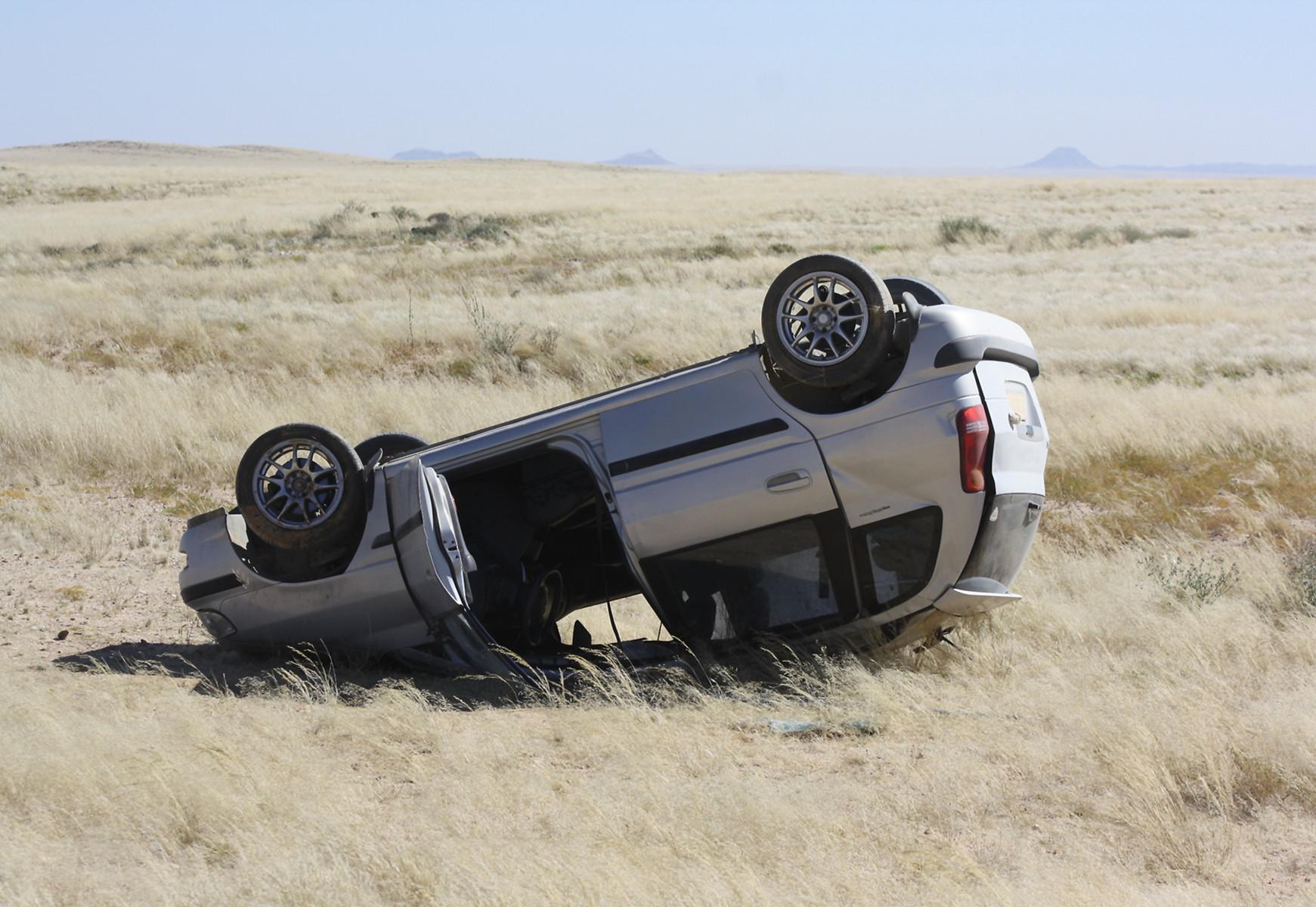 SUV volcado