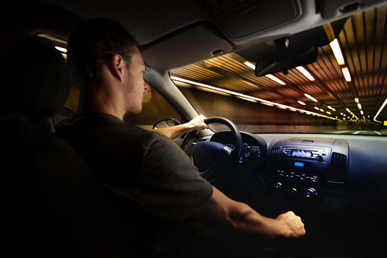 Carretera, velocidad y diversión: una visión distorsionada de la conducción