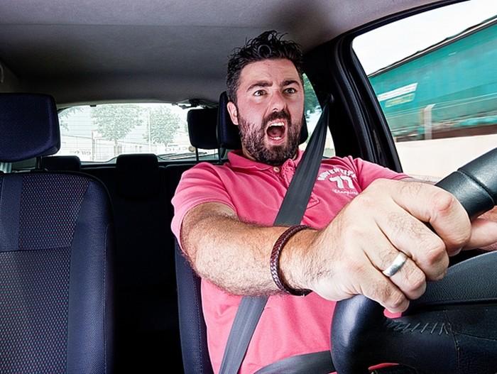 Los diez factores de riesgo que más afectan a nuestra atención en la conducción