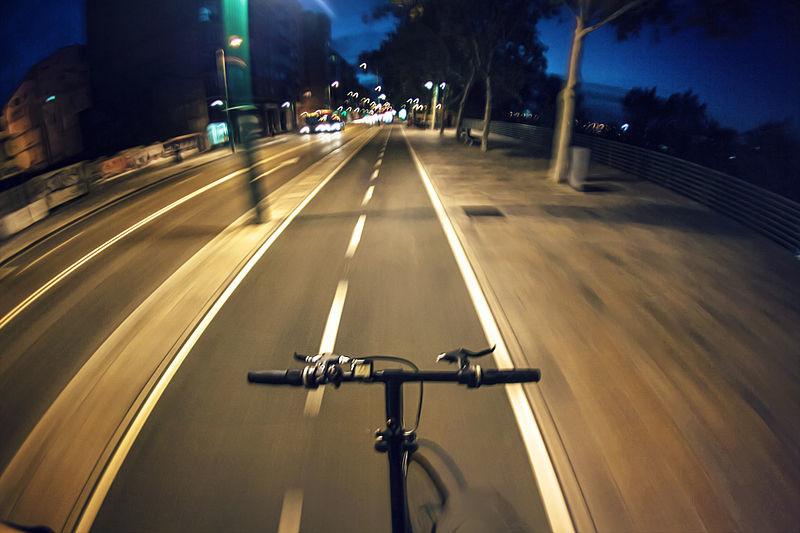 ¿Cómo es el carril bici ideal? 7 ejemplos nefastos que desafían la seguridad vial