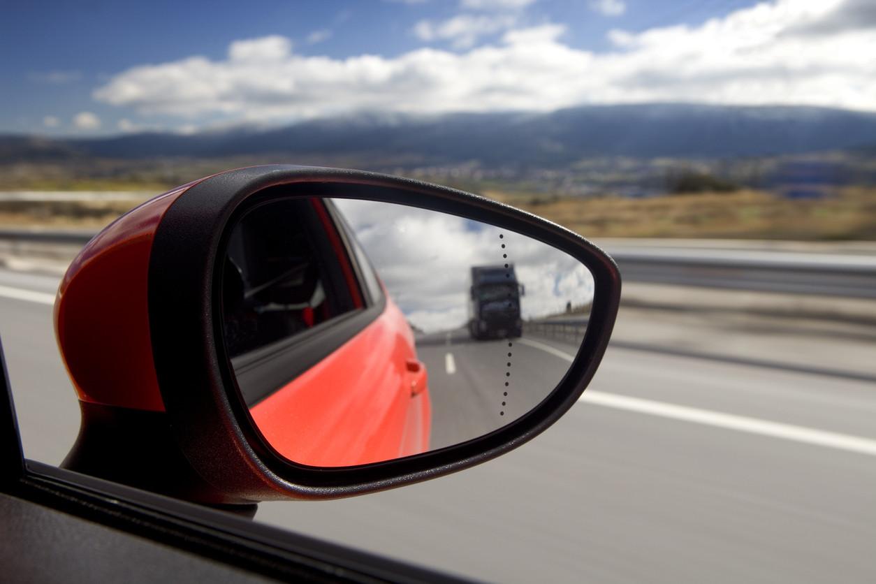 Trucos de conducción que te hubiera gustado aprender en la autoescuela (I)