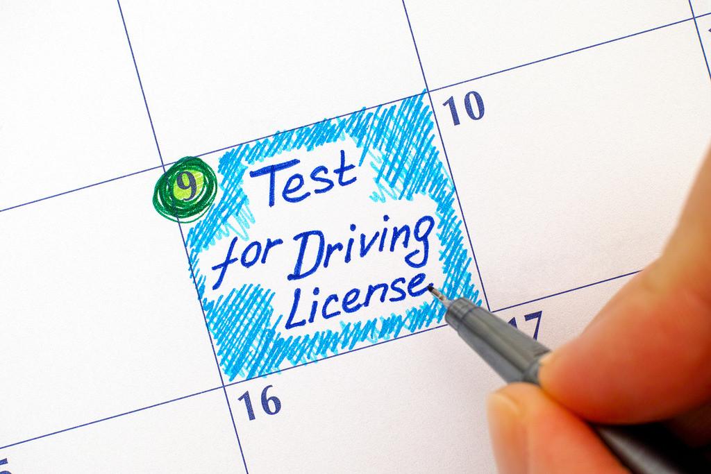 30 preguntas del teórico de conducir para saber si volverías a aprobar el examen