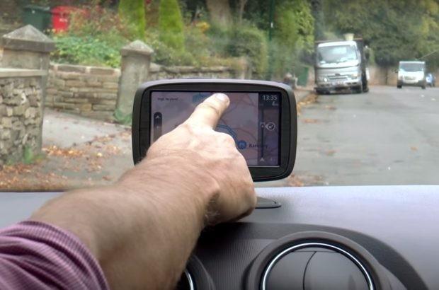 Manejo del GPS y otras novedades del examen de conducir en Reino Unido