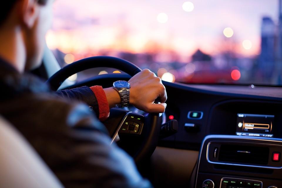 Hay medidas de seguridad que aumentan los siniestros: así funciona la homeóstasis al volante