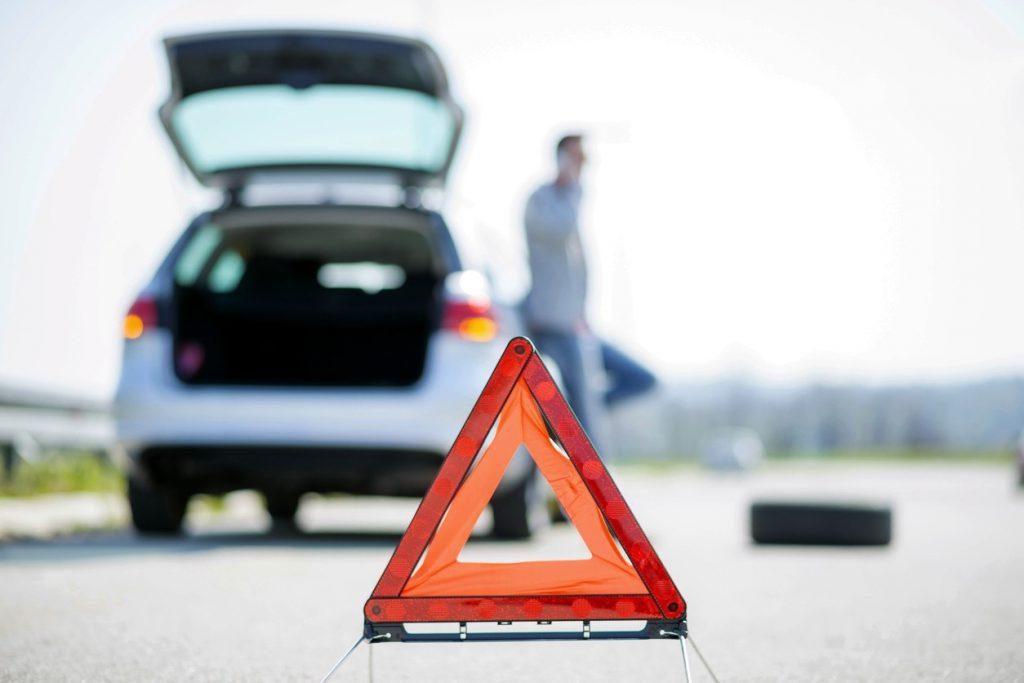triangulo averia coche