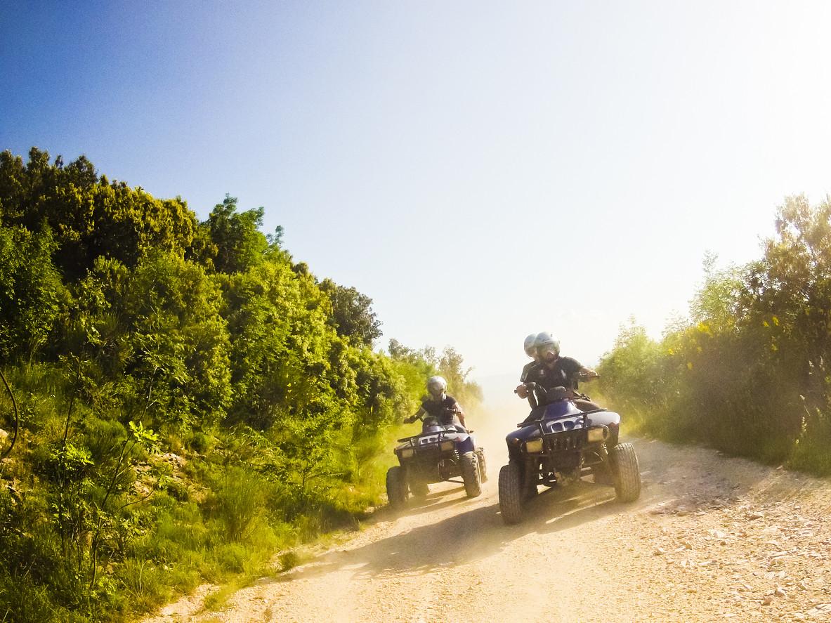 ¿Qué carnet necesito para conducir un quad?