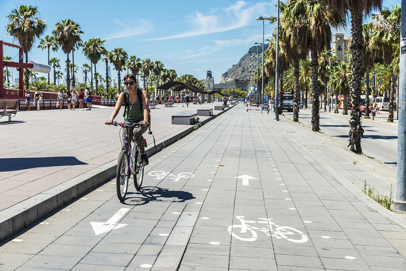 ¿Cuándo es obligatorio circular por el carril bici?