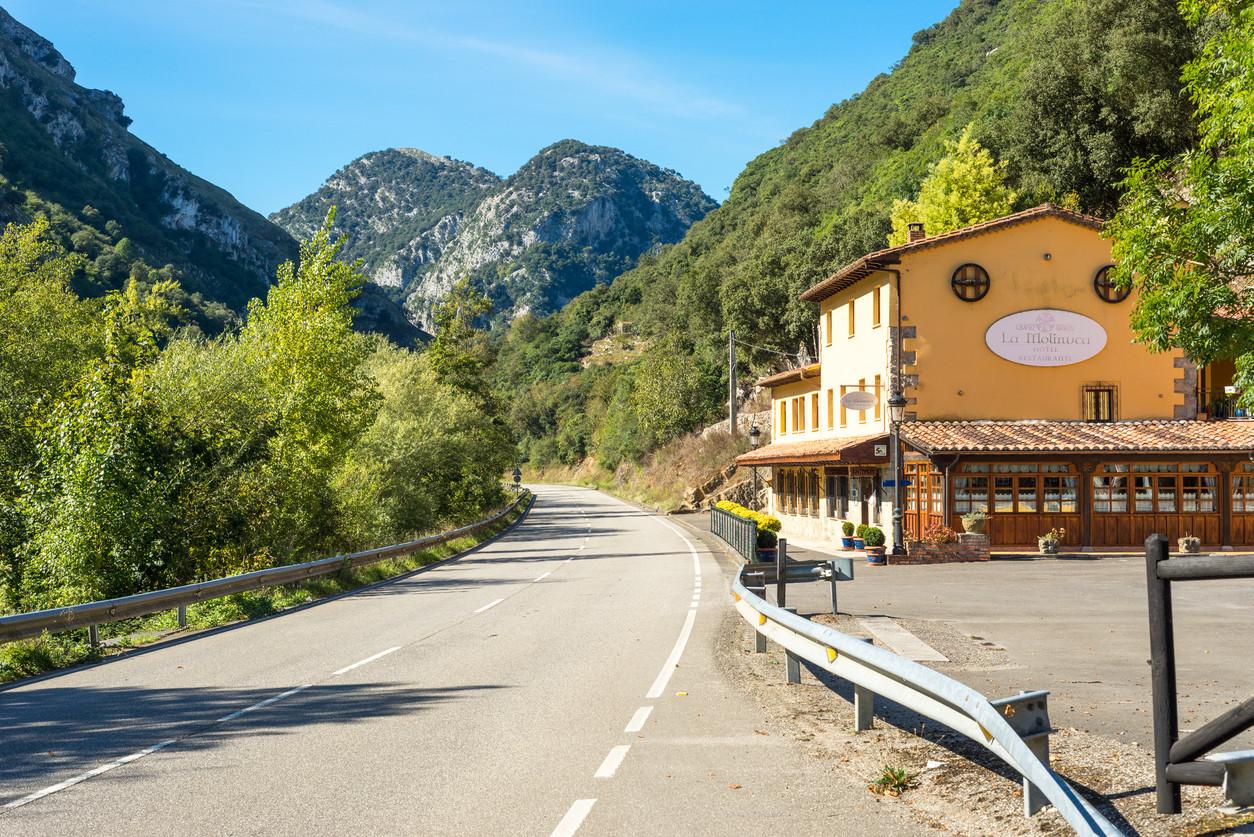 Restaurante asturiano en la ruta hacia Covadonga