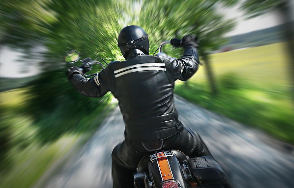 Cómo evitar las malas posturas en moto