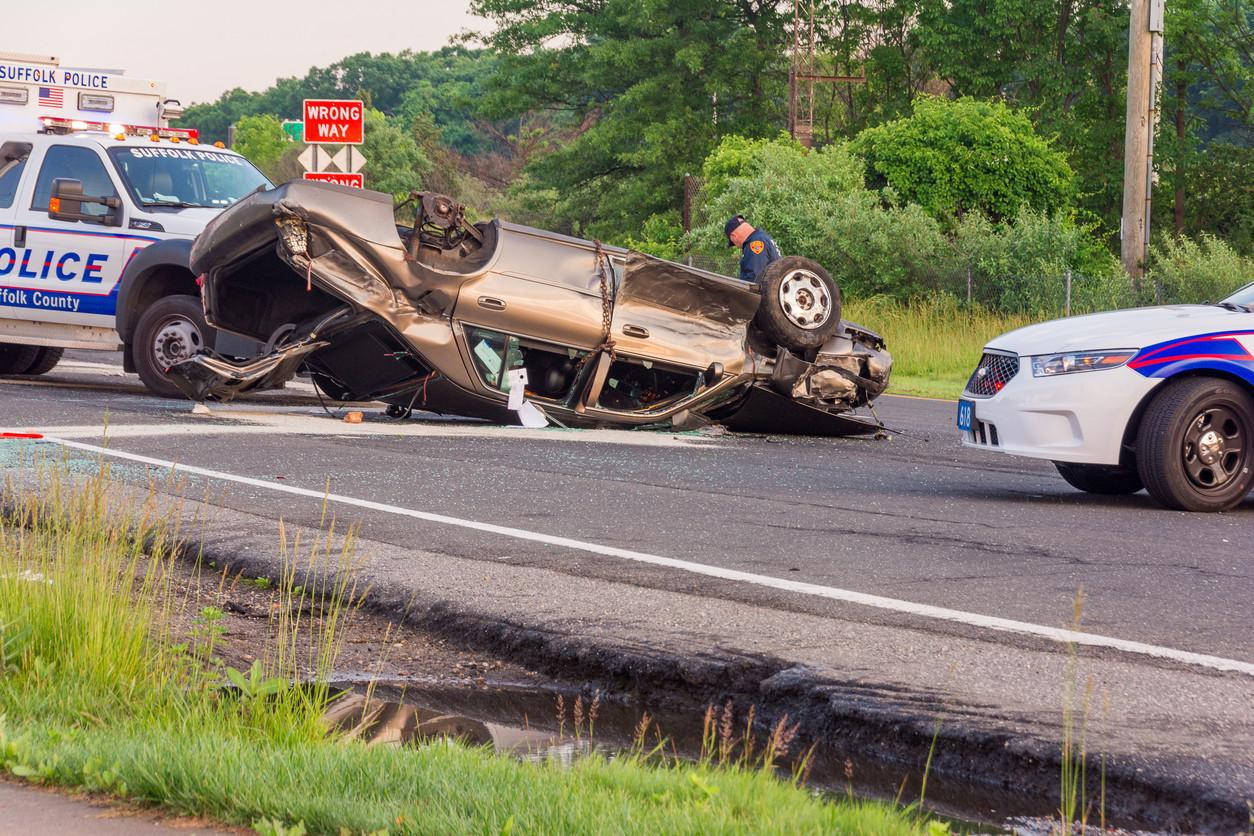 Alcohol, exceso velocidad y uso del cinturón son la causa del 83% de los accidentes mortales en EEUU