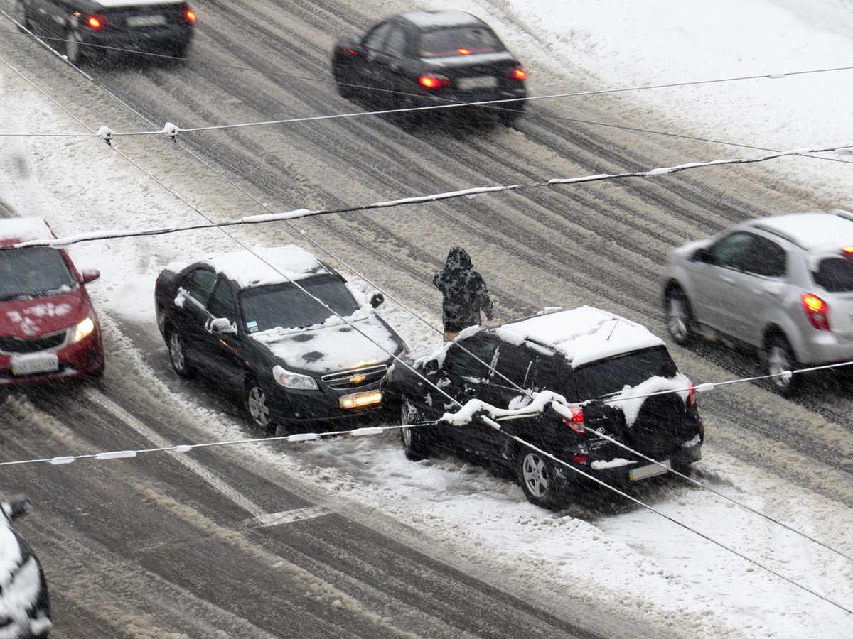 Once vídeos que muestran lo que puede ocurrir en una carretera helada