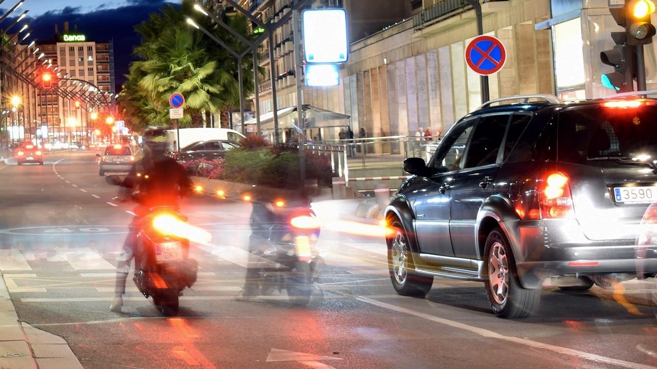 Moto en ciudad