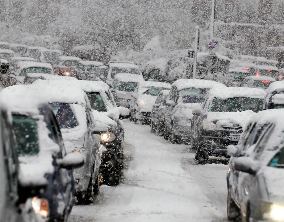 Nieve en la carretera: ¿conoces el código de colores de los avisos?