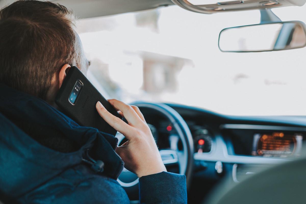 La nomofobia, otro factor de riesgo en la conducción