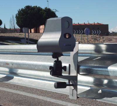 radar velosaler en un guardarrail bionda