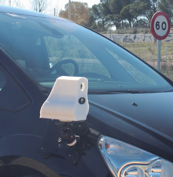 radar velolaser en un vehículo
