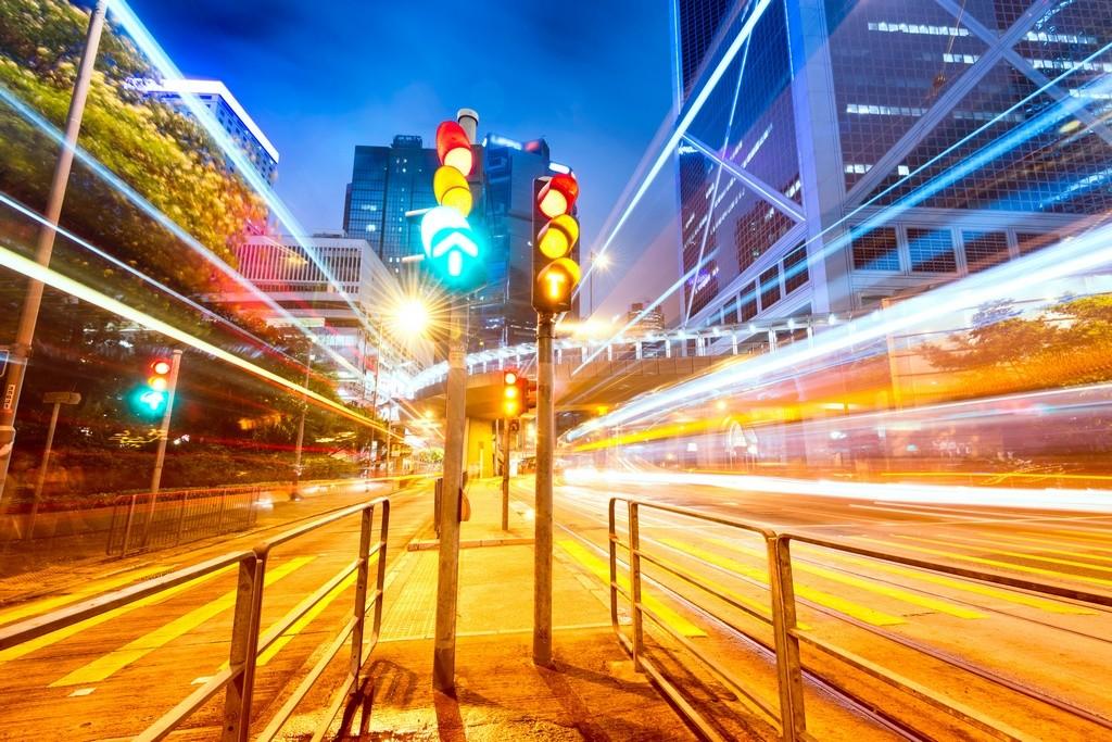 Este sistema aplica la velocidad óptima para pasar todos los semáforos en verde