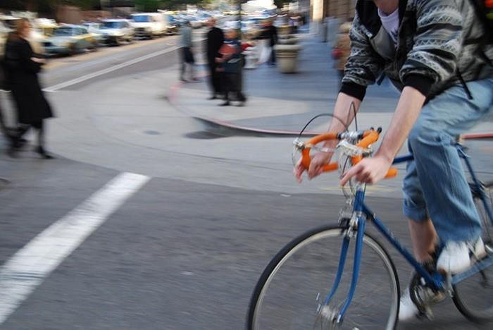 Compartir la vía con ciclistas: buenos hábitos para evitar incidentes