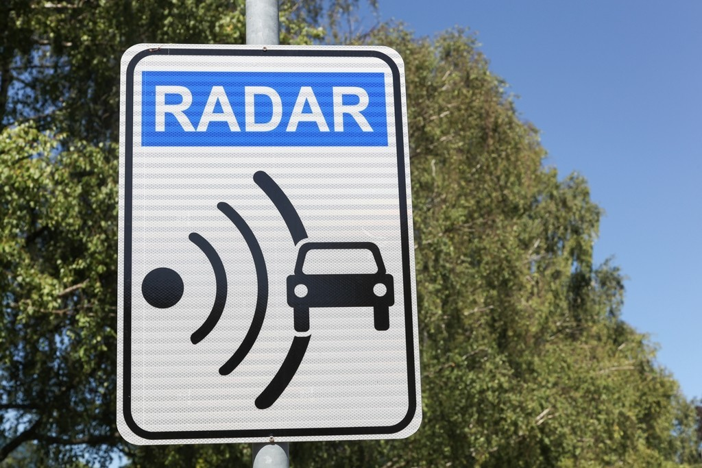 Cartel de radar