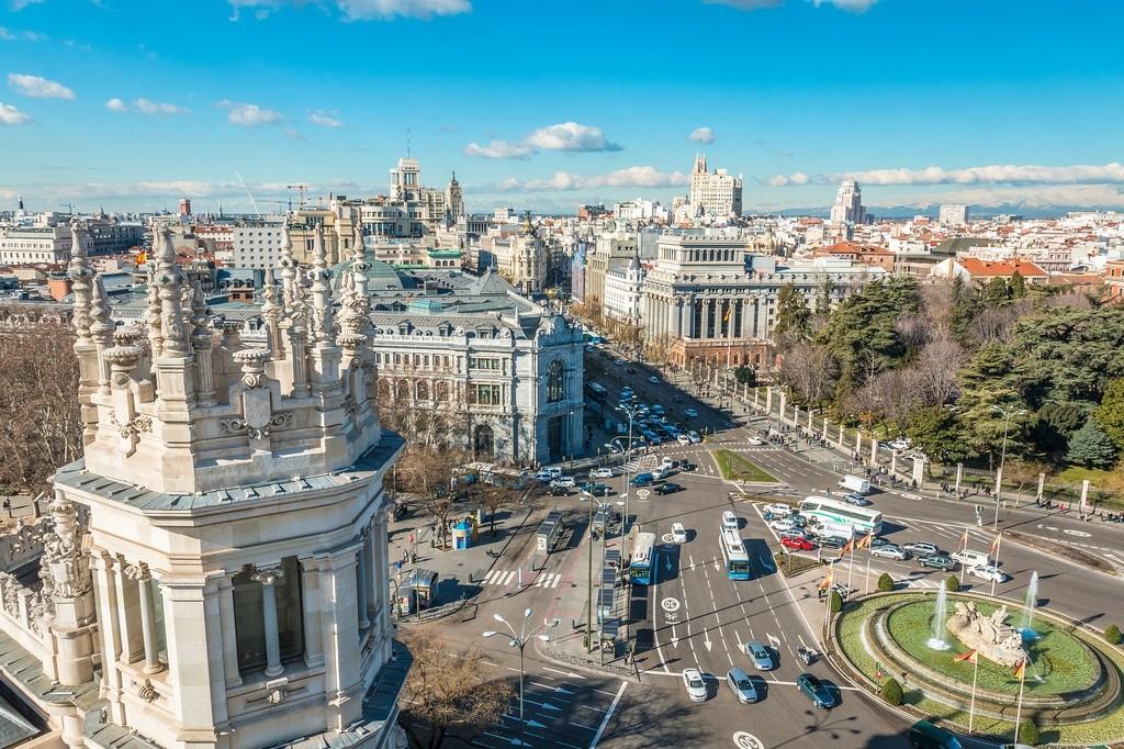 Madrid planifica sacar los coches térmicos del centro. Así funciona su Área Cero Emisiones