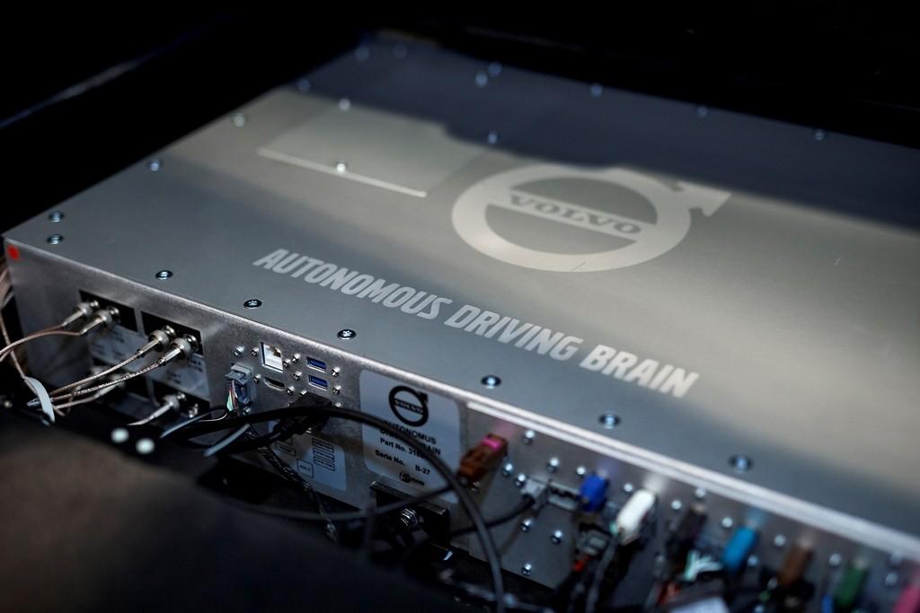 Volvo se da tres años para lanzar su primer modelo casi autónomo