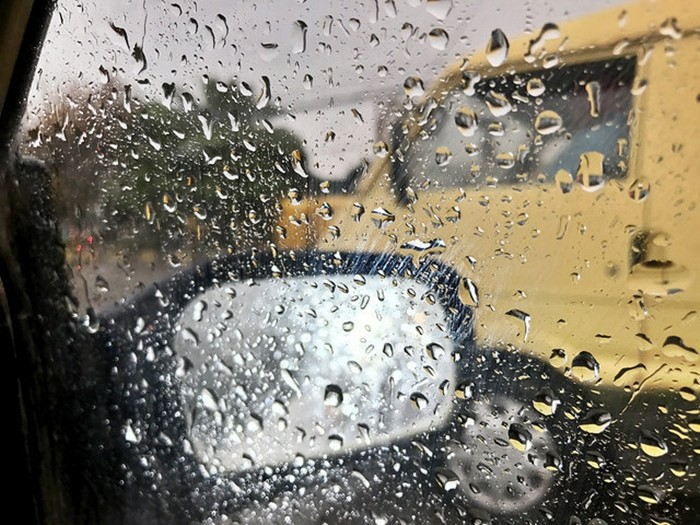 Otoño y primeras lluvias: por qué son tan peligrosas para conducir