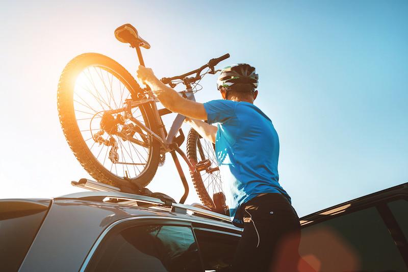 Guía para transportar tu bicicleta en el coche de forma correcta